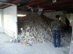 Процесс демонтажа не возможен без образования строительногго мусора, затраты на утилизацию отходов демонтажа входит в стоимость демонтажных работ.